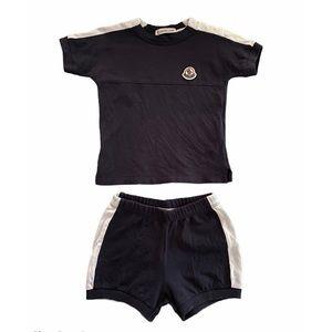 MONCLER BABY BOYS NAVY BLUE WHITE T-SHIRT & SHORTS